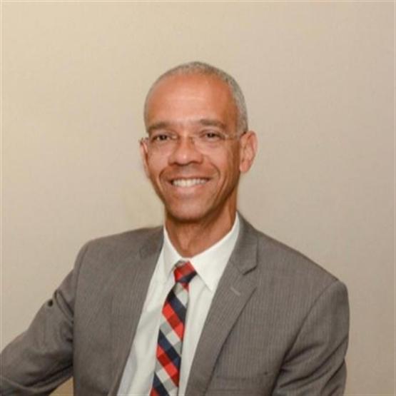 Dr. Clayton Resende
